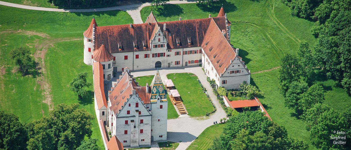 Ein Renaissance-Schloss mitten im Auwald