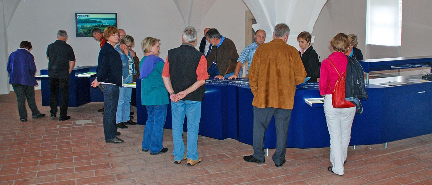 Führungen durch die Ausstellung im Schloss Grünau